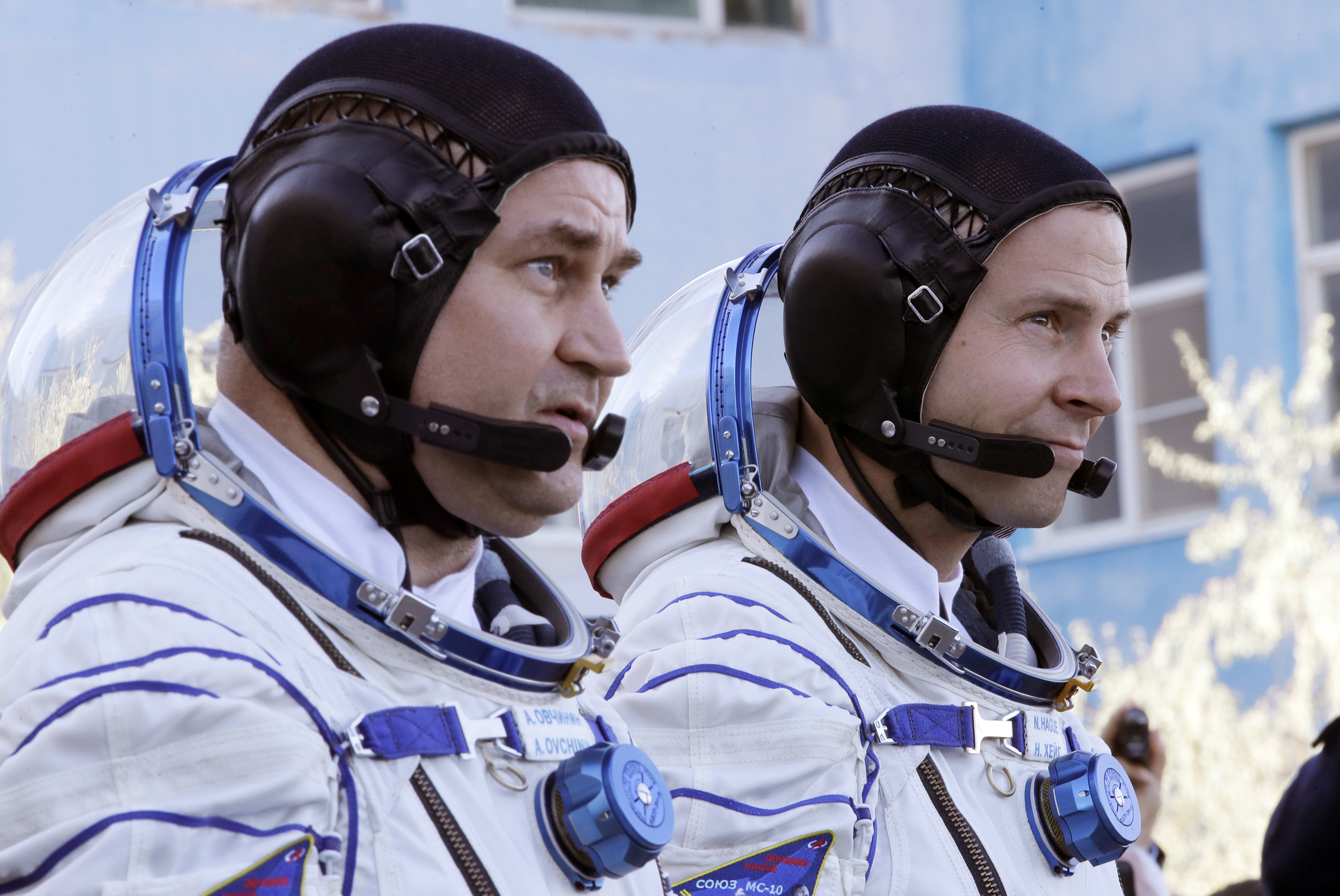 Alekszej Ovcsinyin orosz és a Nick Hague amerikai űrhajós