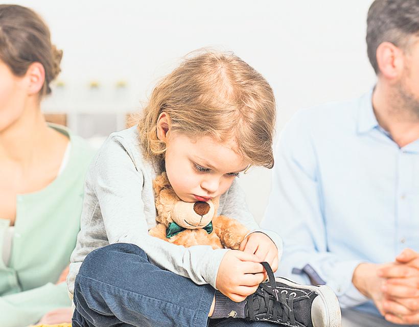elveszíti-e valaha egy apa a szülői jogokat?)
