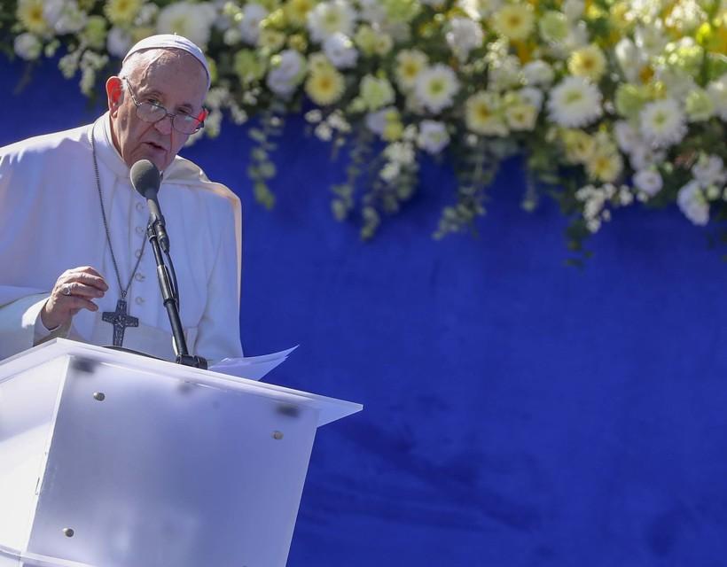 Ferenc pápa: Mindannyian össze vagyunk kötve