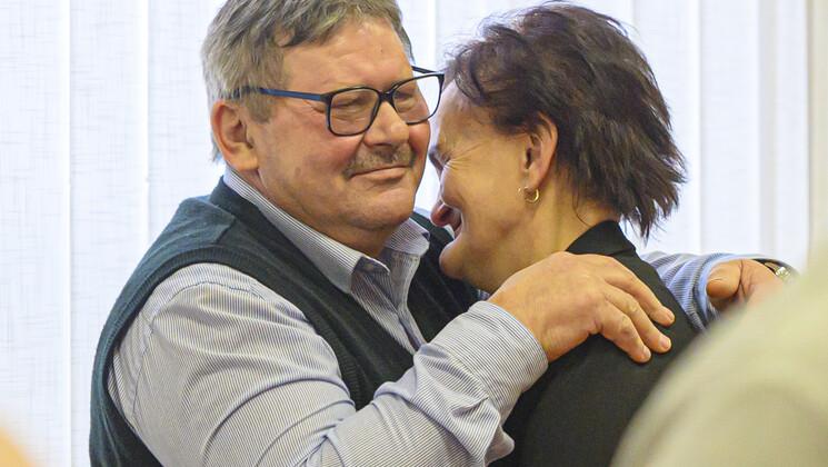 feleség társkereső oldalak segítségével egyeztetési szolgáltatások minnesota