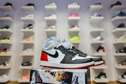 AIR Jordan 1 Retro High UN/LA Black Toe-1
